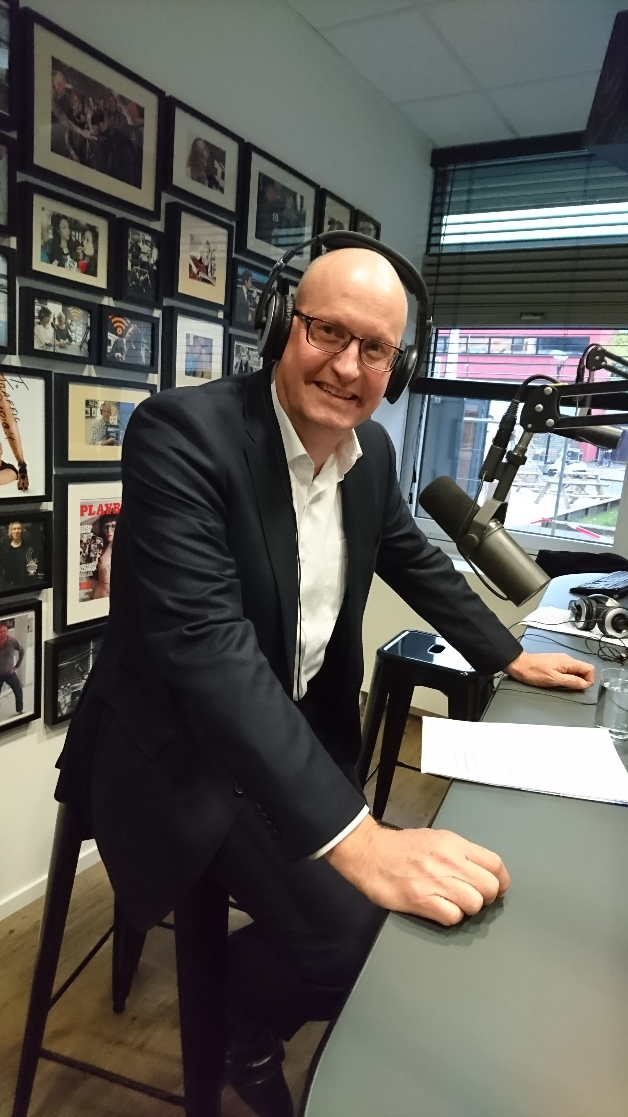 Hans Klein-Swormink, national project leader at the Chamber of Commerce, guests of Jacqueline Zuidweg during her Fall Up and Continue program on New Business Radio, Zuidweg and Partners