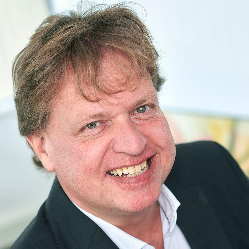 Portraitfoto van Ronald van Krieken, accountant bij Flynth adviseurs. De foto staat op de website van Zuidweg & Partners naast zijn column Uitfaseren pensioen in eigen beheer.