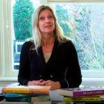 Jacqueline Zuidweg presenteert haar serie Vallen opstaan en weer doorgaan. Onderwerp: Financiële vaardigheden. Zuidweg & Partners, Schuldhulp, Schuldhulpverlening, Bedrijfsherstel