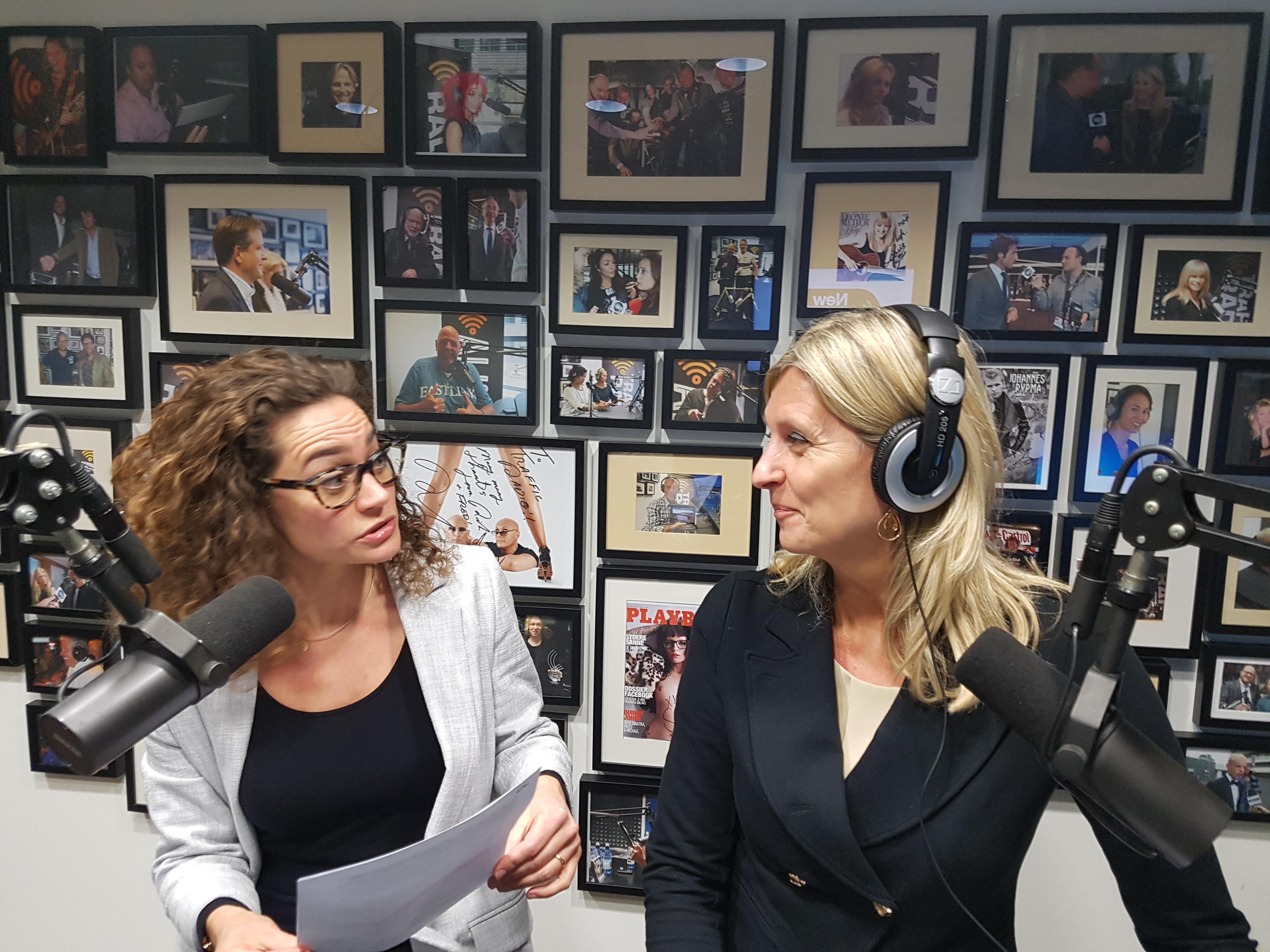 Sales trainer Hiske Gude is te gast bij Vallen opstaan en weer doorgaan met Jacqueline Zuidweg op New Business Radio. Zij praten over het onderwerp marketing en sales. Zuidweg & Partners, Schuldhulp, Schuldhulpverlening, Bedrijfsherstel
