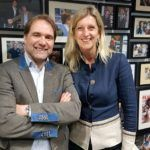 """Martijn Driessen en Jacqueline Zuidweg bij de opnames van """"Vallen, opstaan en weer doorgaan"""" op New Business Radio"""