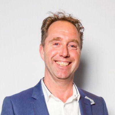 Portraitfoto van Edo Boonstra, sales expert en eigenaar van Green Badger. De foto staat naast zijn column: De juiste sales mindset