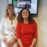 Vallen'de Hiske Gude kalkıp Yeni İş Radyosunda Jacqueline Zuidweg ile devam ediyor. Konu: Kalbinizden Satışlar