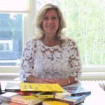 Jacqueline Zuidweg presenteert haar serie Vallen opstaan en weer doorgaan op het kantoor van Zuidweg & Partners in Hilversum. Deze week met het onderwerp: Prijzen in de praktijk