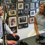 Martijn Schut, Vallen'de konuk olarak Yeni İş Radyosunda Jacqueline Zuidweg ile çalışmaya devam ediyor. Konu: Belediyedeki girişimciler için borç danışmanlığı