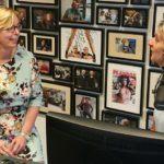 Anne-Mieke de Peuter Vallen'de konuk olarak Yeni İş Radyosunda Jacqueline Zuidweg ile çalışmaya devam ediyor. Konu: Neden borç.nl?