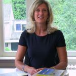Jacqueline Zuidweg presenteert haar serie Vallen opstaan en weer doorgaan op het kantoor van Zuidweg & Partners in Hilversum. Deze week met het onderwerp: Communiceren met schuldeisers