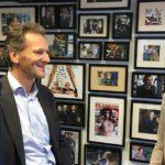 Joan Algra, Vallen'de konuk olarak Yeni Business Radio'da Jacqueline Zuidweg ile çalışmaya devam ediyor. Konu: KOBİ Yeniden Başlatma ...