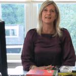 Jacqueline Zuidweg presenteert haar serie Vallen opstaan en weer doorgaan op het kantoor van Zuidweg & Partners in Hilversum. Deze keer met het onderwerp: ben ik aansprakelijk?