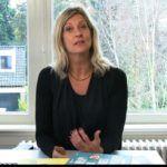 Jacqueline Zuidweg presenteert haar serie Vallen opstaan en weer doorgaan op het kantoor van Zuidweg & Partners in Hilversum. Deze keer met het onderwerp: ondernemer en schulden? Hoe kan de gemeente je helpen?