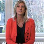 Jacqueline Zuidweg, Hilversum'daki Zuidweg & Partners ofisinde Güz ve yükseliş serisini tekrar sunuyor. Konu ile bu sefer: girişimci ve borçlar? Belediye size nasıl yardımcı olabilir?