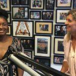 Zarayda Groenhart, Vallen'e konuk oluyor ve Yeni İş Radyosunda Jacqueline Zuidweg ile devam ediyor. Konu: çevrimiçi TV yapmak.